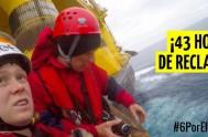 """Seis activistas de Greenpeace interceptaron y escalaron, en el medio del Océano Pacífico, la plataforma de Shell """"Polar Pioneer"""", que se dirige al…"""