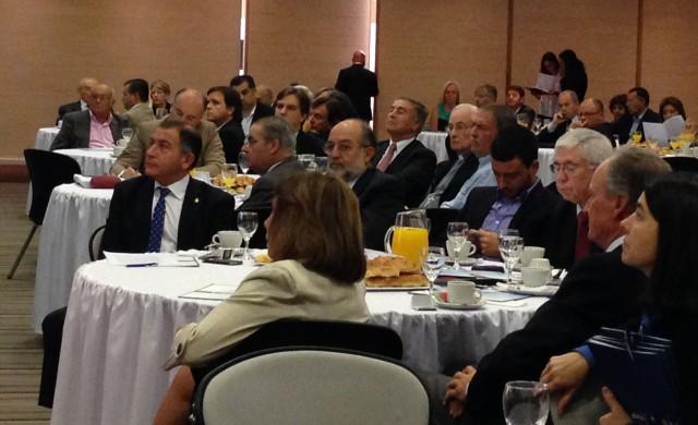 27/04/2015 -En la mañana de hoy la Asociación cristiana de dirigentes de empresa (ACDE) con el apoyo del Arzobispo de Córdoba, presentó un documento diagnóstico de la Provincia de Córdoba junto a…