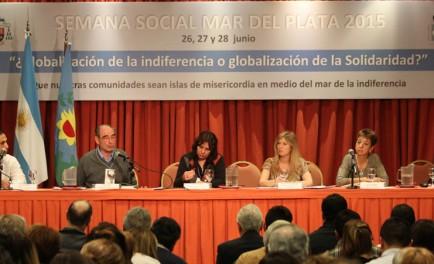 """29/06/2015 -La Semana Social se cerró este domingo en Mar del Plata.""""¿Globalización de la indiferencia o globalización de la solidaridad?"""" fue el lema de este año y a partir de él se…"""