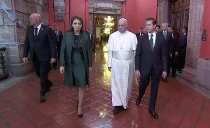 13/02/2016 – Padre Javier junto al periodista colombiano Néstor Ponguta, reflexionan acerca de la importancia de este encuentro entre el Papa Francisco y el Presidente de México en la casa presidencial. Comienza…