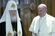 12/02/2016 – El Papa Francisco acaba de pisar suelo cubano en el aeropuerto de La Habana donde se encontrará hoy con el…