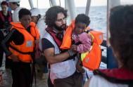 09/03/2016 –Más de 700 mil personas zarparon de África y Asia para arribar a Europa en 2015, pero muchos quedaron en el…