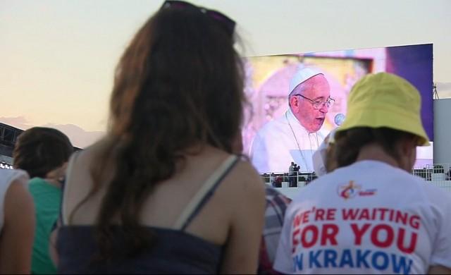 Mensaje íntegro del Papa Francisco en la Vigilia de oración con los jóvenes en el Campus Misericordiae  Queridos jóvenes, Es bueno estar aquí con ustedes en esta Vigilia de oración.…