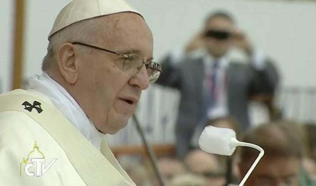 28/07/2016 -En la «capital espiritual» de Polonia, el Papa Francisco peregrinó al santuario de Nuestra Señora de Jasna Góra. Después de haberse detenido en silencio orante ante la célebre y amada imagen…