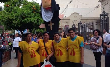 26/08/2016 -Numerosos fieles provenientes desde distintos puntos de nuestro país, se acercaron hasta Santiago del Estero para vivir la Beatificación deMaría Antonia de Paz y Figueroa, Mama Antula. Ellos mismos nos cuentan…