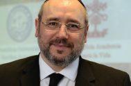 """27/07/2018 – """"Eufemismos"""" y """"retórica"""" fueron las dos palabras utilizadas por el Rabino Fishel Szlajen, al hablar sobre el debate en el senado…"""