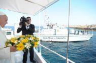 """12/07/2018 – En Lampedusa, el Papa Francisco denunciaba la """"globalización de la indiferencia"""" en el trato con los migrantes. El 8 de julio…"""