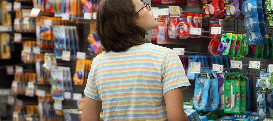 20/02/2019 - El valor promedio para llenar la mochila esta alrededor de 3 mil pesos, lo cual reduce la capacidad de compra. Los precios de la canasta escolar se fueron por las nubes. Según un informe del Observatorio de Políticas Públicas de la Universidad Nacional de Avellaneda , la canasta de útiles escolares aumentó 206% en tres años. En base…