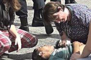 17/04/2019 –Una médica tucumana dio el ejemplo. Se trata de la doctora Cecilia Ramos quien se bajó de su auto y sintió los…