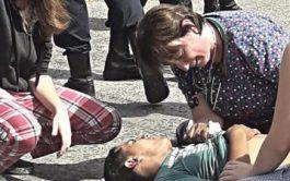 17/04/2019 –Una médica tucumana dio el ejemplo. Se trata de la doctora Cecilia Ramos quien se bajó de su auto…