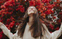 Jesús, te necesitamos vivo, sólo así podremos comprender todo tu amor. Te necesitamos vivo en nuestro día a día. En nuestras dudas y nuestros aciertos. Jesús, te necesitamos vivo. Necesitamos tu luz de Resucitado para que alumbres nuestro camino. Jesús, te necesitamos vivo para que nos saques de nuestras tristezas y podamos compartir tu alegría. Jesús, te necesitamos vivo. Entra…