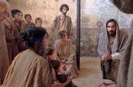 """""""Cristo, a pesar de su condición divina, no hizo alarde de su categoría de Dios; al contrario, se despojó de su rango y…"""