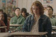Sierra es una estudiante sobresaliente de su colegio, en sus notas, porque en su vida social más bien estaría un poco relegada, tal…