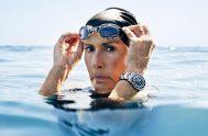 En una noche oscura, picada por medusas, ahogándose en agua salada, alucinando… Diana Nyad siguió nadando. Así es como logró finalmente vencer un…