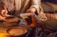 """""""Jesús conocía al que lo iba a entregar y por eso dijo que no todos estaban limpios"""" (Jn 13, 11) Comienzo con esta…"""