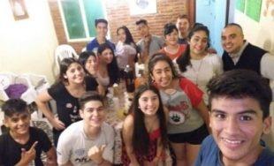 En la Parroquia Santísimo Sacramento de la ciudad de Tucumán hay un grupo de adolescentes que se…