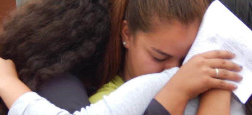 La soledad y la falta de proyectos afecta a muchos jóvenes en la Argentina. No sólo es problema de las grandes ciudades sino que también ocurre en ciudades pequeñas y pueblos. Ante el aumento del índice de suicidios un grupo de jóvenes decidió poner manos a la obra y hacer algo. Así comienza la misión y tarea del Proyecto El…