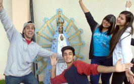 Con María, nuestra Madre de Luján, abrimos nuestras manos para dar y nuestros brazos para abrazar nuestra querida Patria. Argentina,…