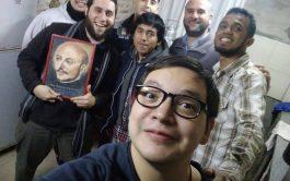 21/08/2019 – Agus Dalmaso es porteño, trabaja en un call center, estudia Radio y Televisión y participa de un grupo…