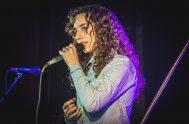 Con sus apenas 20 años, Aldana, no deja de maravillar con su hermosa voz dentro de la música católica. Nació en Piamonte, un…