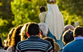 Un rosario, una esperanza, la mirada fija en María y a seguir andando nomás. Me rebalsa el corazón de alegría…