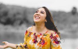 Lolis Flores es una joven cantante Católica que con su música y su historia busca contagiar a mucha gente de…