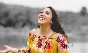 Lolis Flores es una joven cantante Católica que con su música y su historia busca contagiar a…