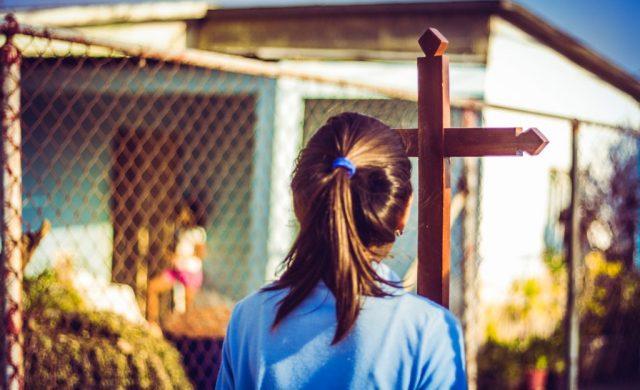 """Jesús le respondió: """"Yo soy el Camino, la Verdad y la Vida. Nadie va al padre, sino por mí."""" Jn. 14,6 Señor, el día de mañana lo tienes preparado para mí desde toda la eternidad con todos sus pormenores, sus problemas, sus gozos. Sé que todo es gracia para mí y todo es providencia sobre mí. Nada ocurrirá al azar.…"""