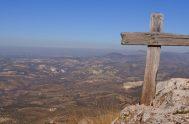 """Entonces Jesús dijo a sus discípulos: """"El que quiera venir detrás de mí, que renuncie a si mismo, que cargue con su cruz…"""