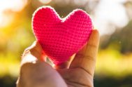 """El corazón no es sólo nuestra disposición íntima, nuestro lugar secreto donde albergamos nuestros pensamientos y sentimientos más hondos. Hablar de """"corazón"""" es…"""