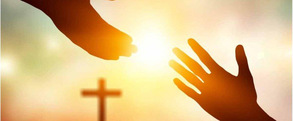 Quien realmente se pregunta qué hacer de su vida, encuentra la respuesta que propone la fe: una vida entregada al amor. Los cristianos vivimos la vida en orden al amor de Dios y al de los hermanos. En nuestro bautismo, se nos ha regalado un horizonte de amor. La vida eterna que Jesús nos ha conseguido se vislumbra lejano.Ese es…