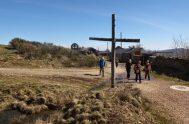 La Cruz de Madera ,Foncebadon (España) Decir Gracias no me alcanza, es tan grande tu amor, que cuando no tuve me lo concediste,…