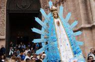 ¿Qué tendrá la Virgencita de Luján, que tanta gente acude a ella? Quizás sean su simpleza y su sencillez. La imagen original mide…