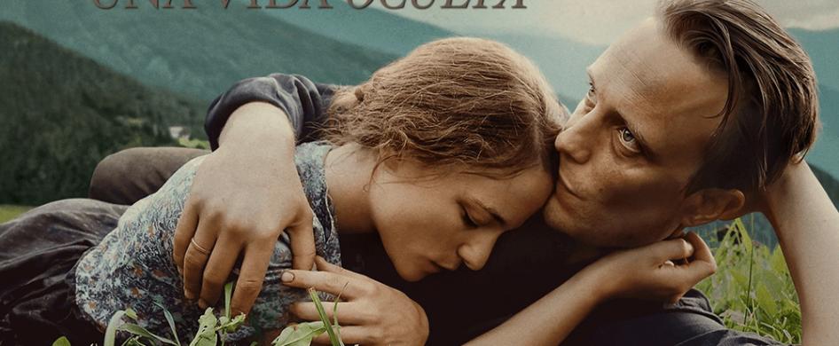 """Una película que habla de la vida, del amor, de la familia, de la fe, de la fidelidad y por sobre todo, de la conciencia, ese lugar sagrado que sólo Dios conoce.  ¿De que se trata? """"Una vida oculta"""" está basada en la historia real de Franz Jägerstätter y su esposa Fani quienes son un matrimonio feliz que viven…"""